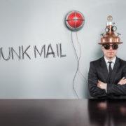 自分のメールアドレスから迷惑メールが来た!?